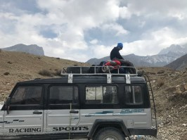 Waiting for the jeep for Jomsom
